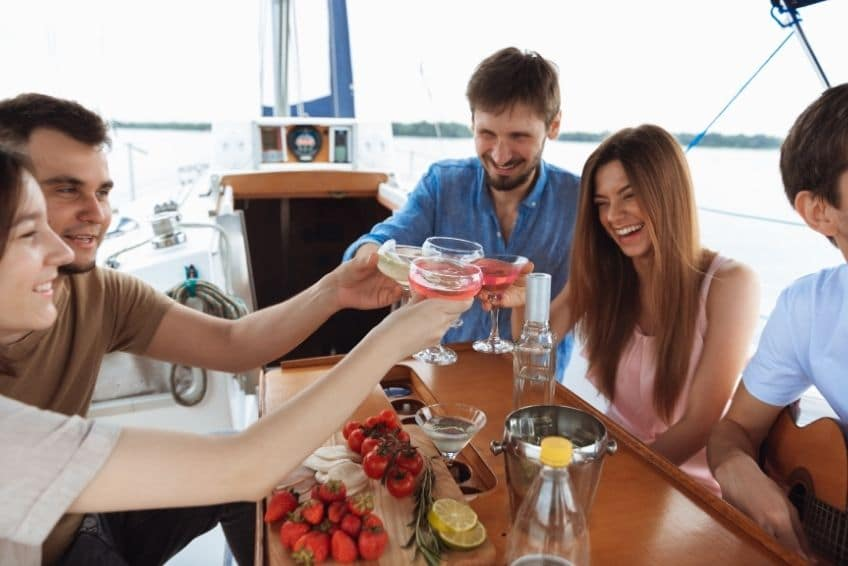 Lake Travis is one of the best vacation spots in Texas. Read this quick guide on where to hang out while on Lake Travis and experience its magic for yourself!